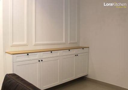 Lora Kitchen Design - Display Cabinet